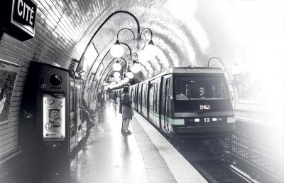 RATP : Installation des façades de quai sur les lignes 4 et 14 du Métro parisien